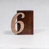 Цифри з дерева на стіл Зображення